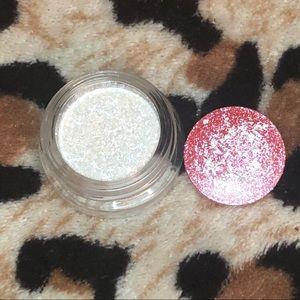 Kylie Cosmetics Shimmering Eye Glaze
